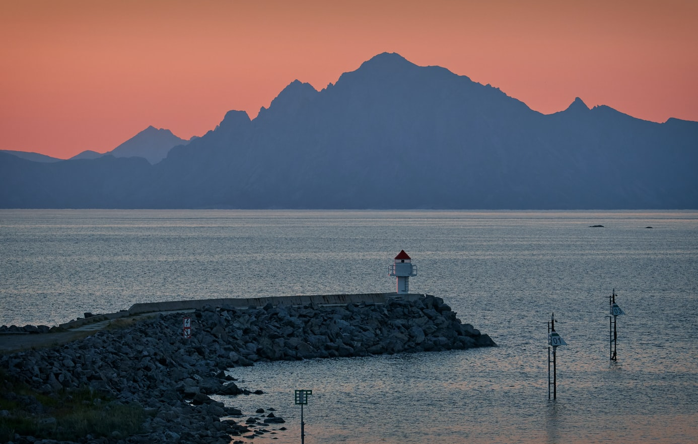 Unntak for lasteskip frå reglane om lokal forureining i verdsarvfjordane